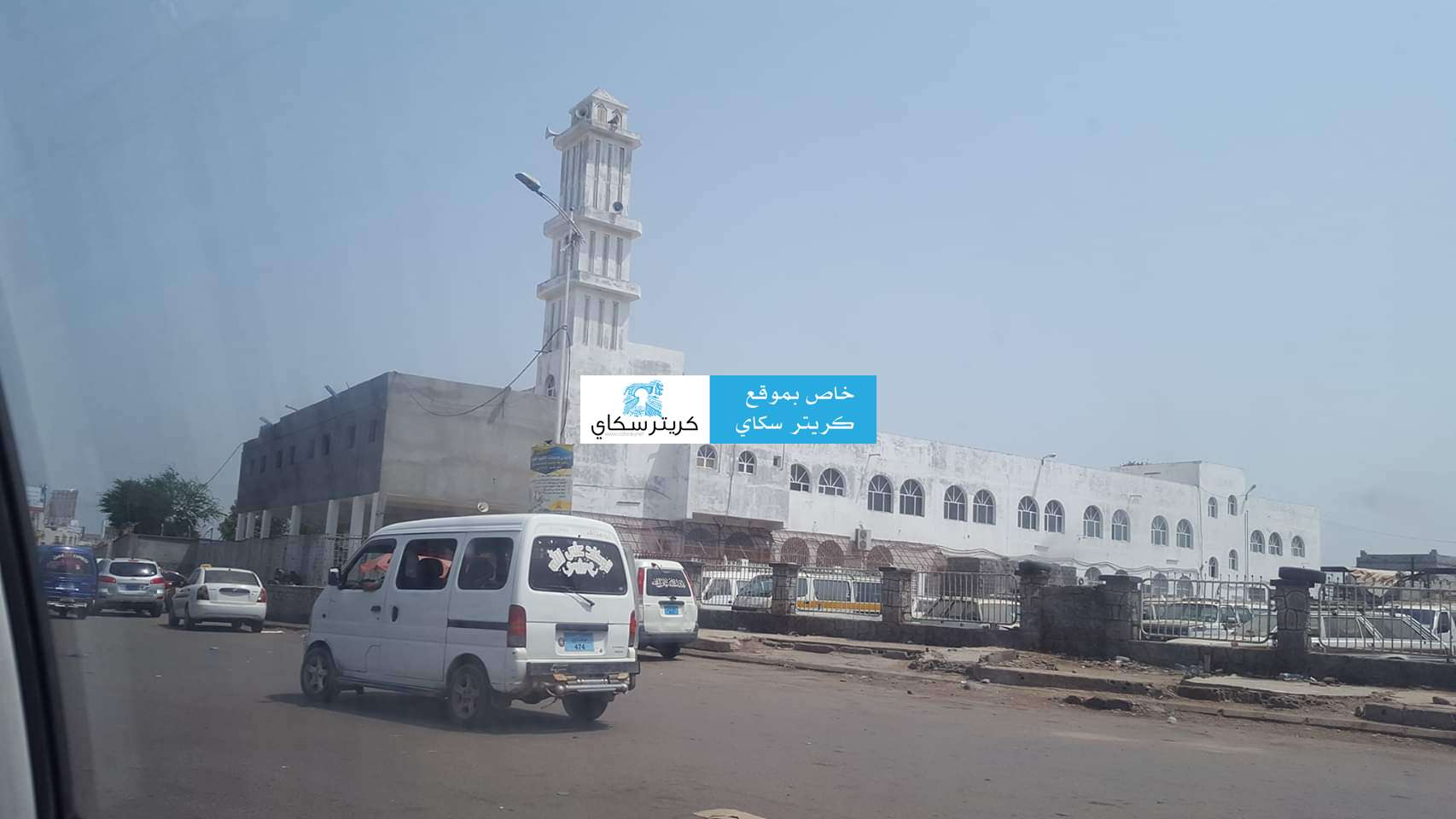 حصري.. محل لبيع الجوالات  يتعرض للسرقة في سوق تجاري بالعاصمة عدن