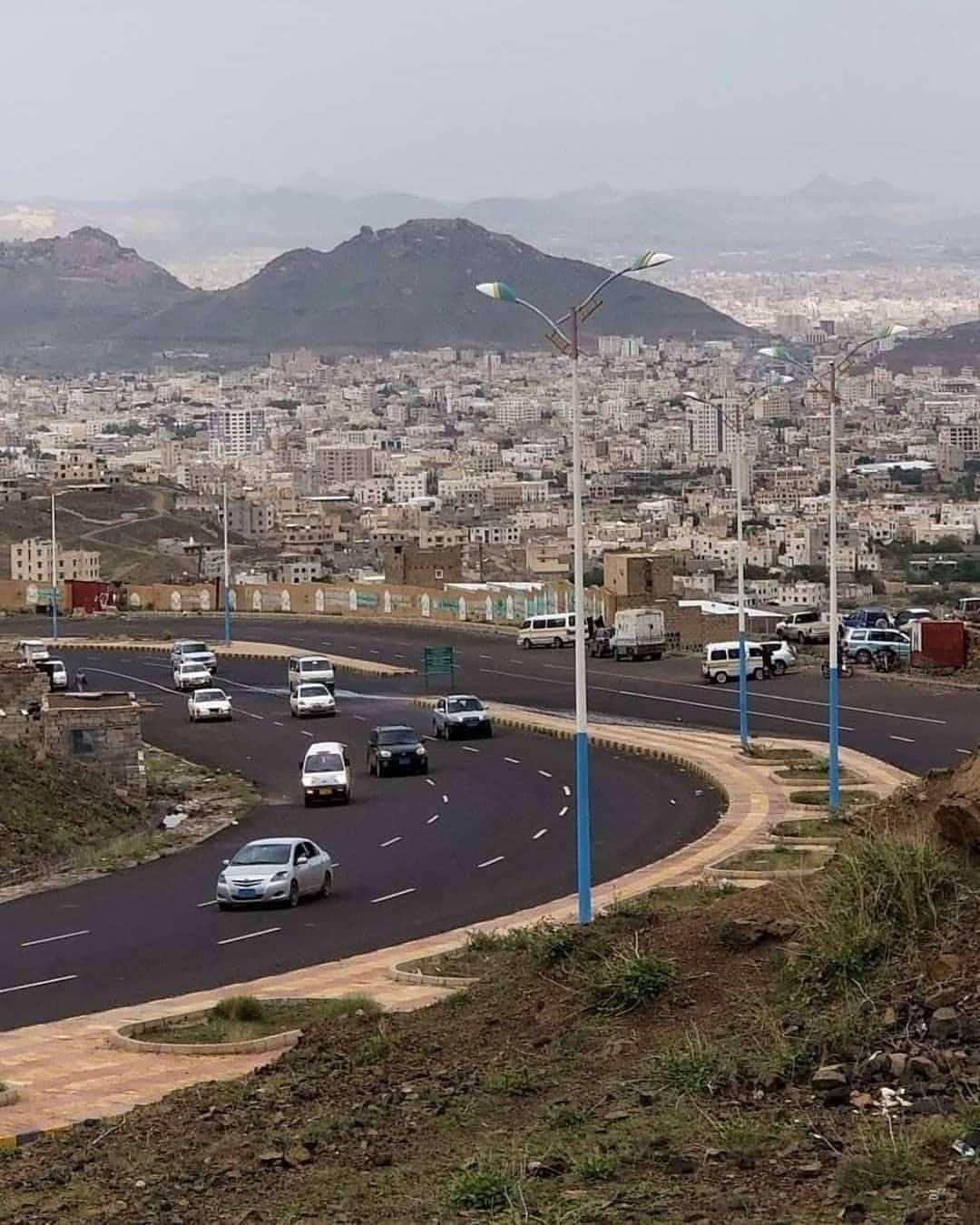 مطالبات بإيقاف وإقالة رئيس محكمة بني مطر لأسباب تنتهك لوائح وأنظمة الأجهزة القضائية .. ؟!