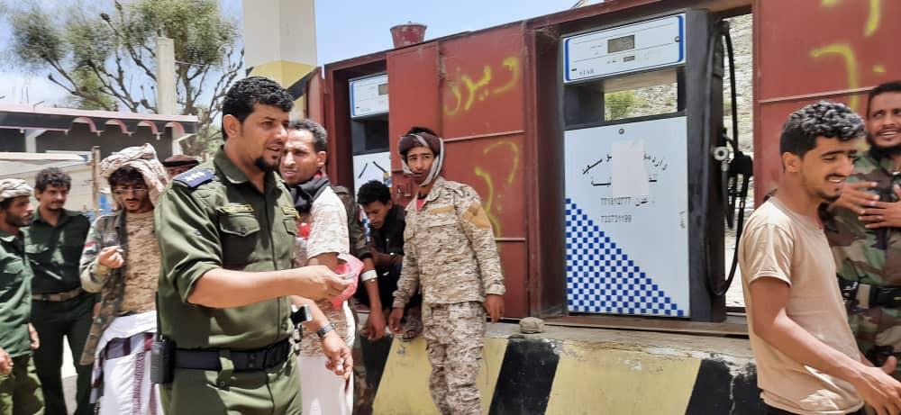 مدير شرطة رُصد .. يشرف على حملة ضبط أسعار المشتقات النفطية