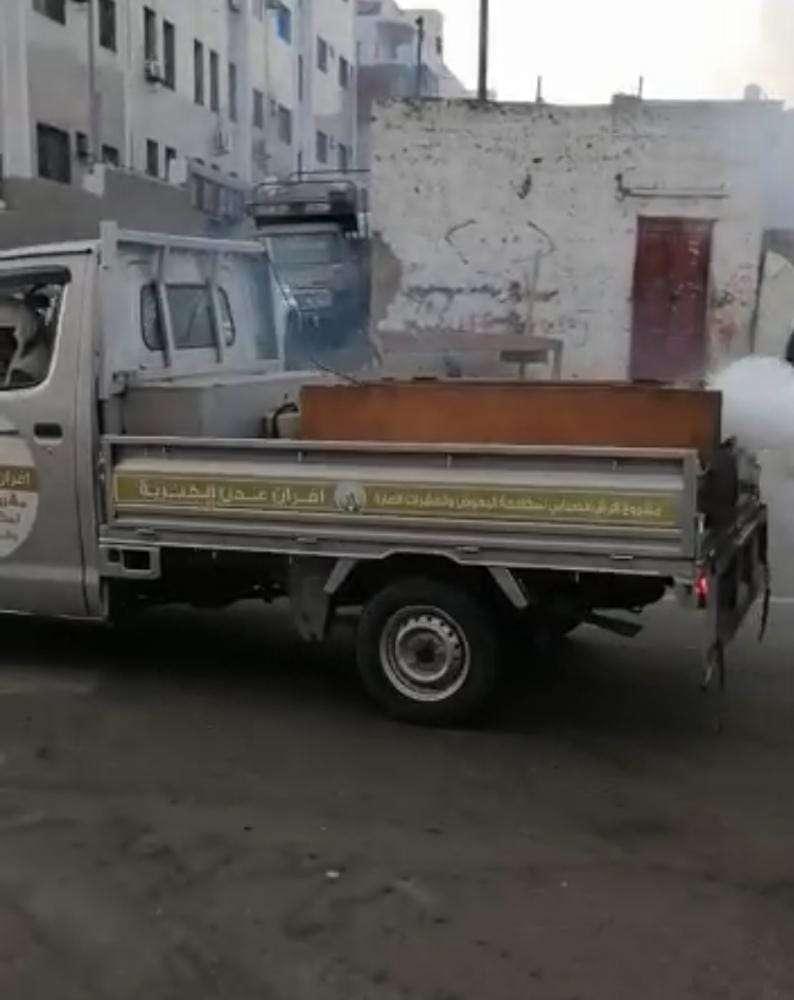 أفران عدن الخيرية تواصل حملة الرش الضبابي في العاصمة عدن