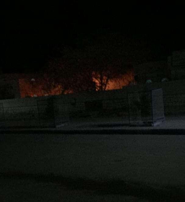 شاهد فيديو.. إندلاع حريق هائل بسبب انفجار محطة اكسجين في شبوة