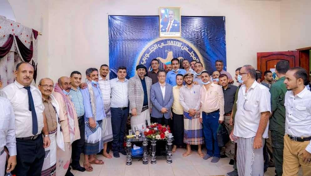عيدروس الزبيدي يلتقي أعضاء منسقية المجلس بجامعة عدن وفروعها في محافظات الجنوب
