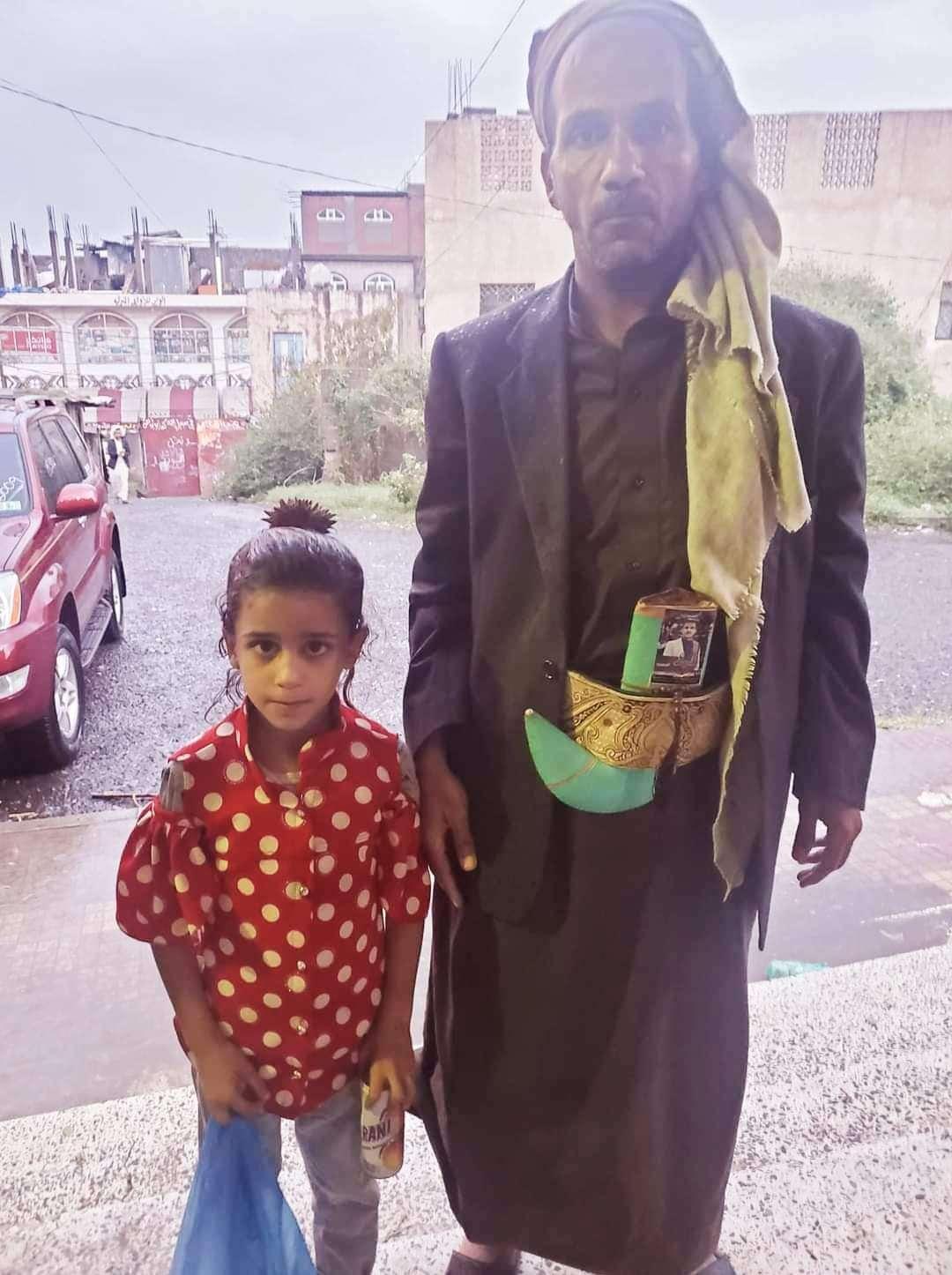 في واقعة نادرة.. ناشط ينشر صورة طفلة ضائعة ليكشتف أنها لقريبه