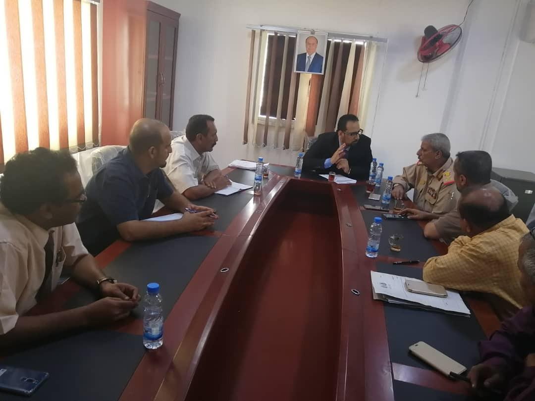 صندوق صيانة الطرق والسلطة المحلية بلحج يناقشان خطة تنفيذ المشاريع بالمحافظة
