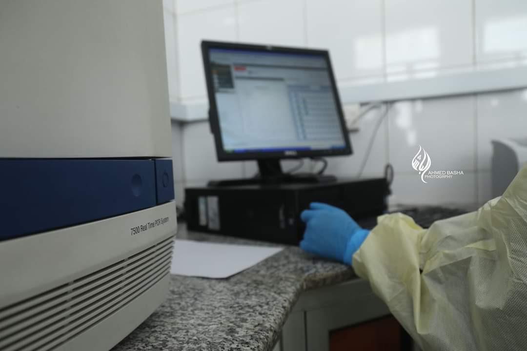 بعد أشهر من إرسال العينات إلى حضرموت .. المهرة تستقل بجهاز فحص PCR